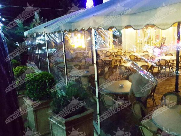 ombrellone chiusura laterale ristorante napoli